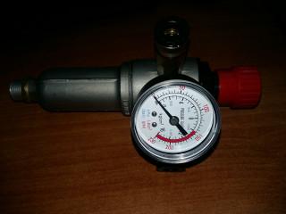 Регулятор давления с манометром (металлическая колба)